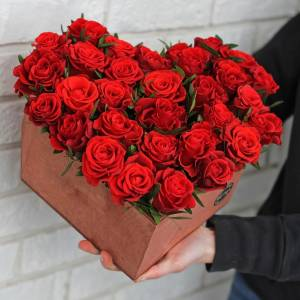 Сердце 31 красная роза R167