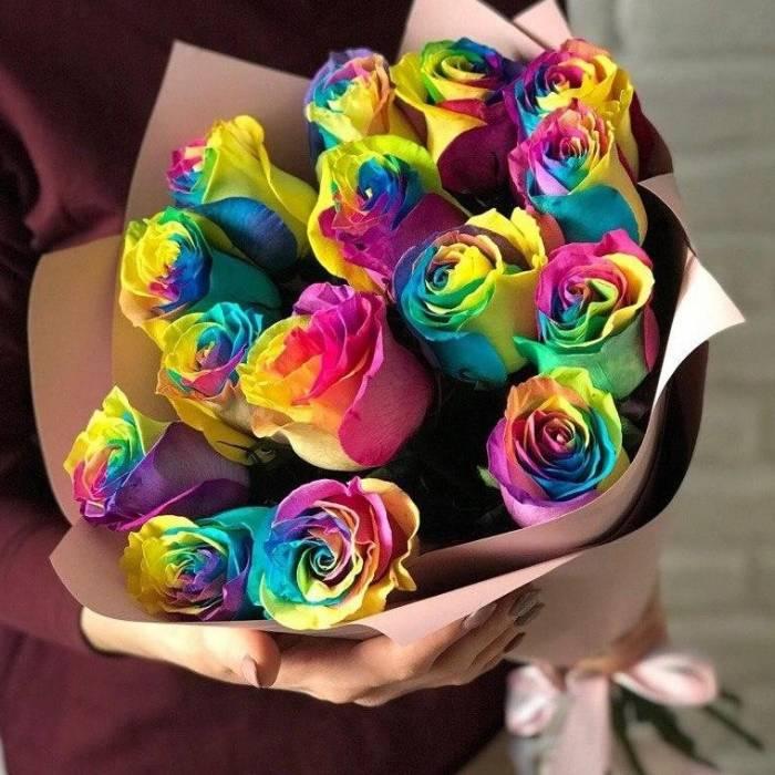 Букет 15 радужных роз R805